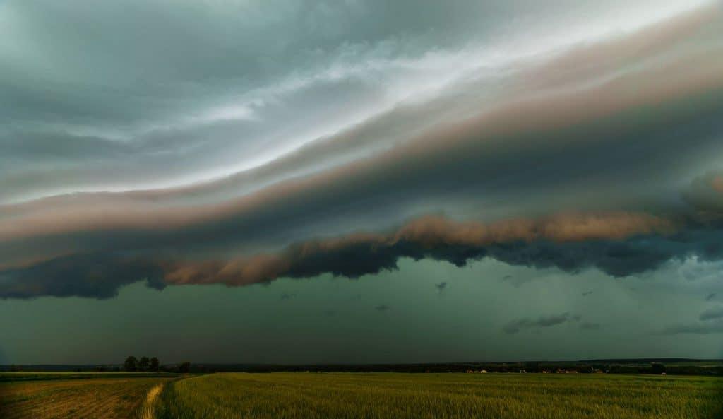 Gdzie jest burza nad Polską. Zdjęcia burzy powstałe podczas burzowego pościgu.
