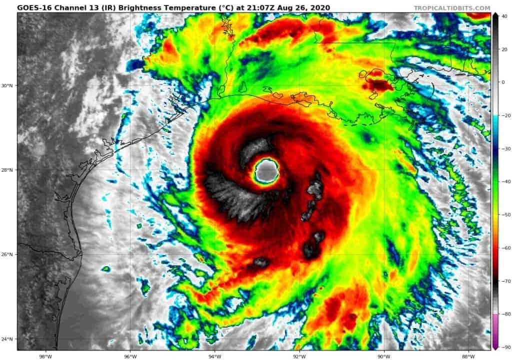 Nagranie z oka huraganu