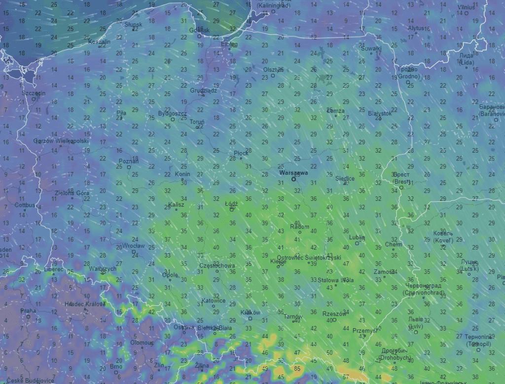 Wiatr w Polsce noc.