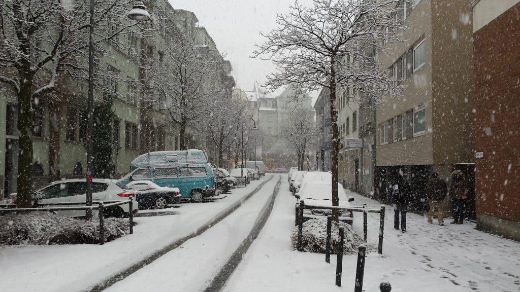 Opady śniegu i śnieżyce w Polsce 19.03.2021
