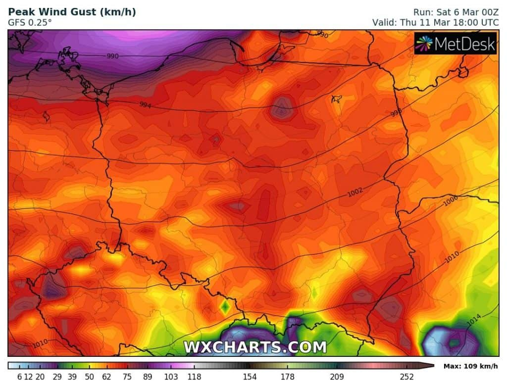 Wichura w Polsce 11 marca 2021. Wiatr wiał będzie z dużą siłą. Może zrywać dachy budynków itp.