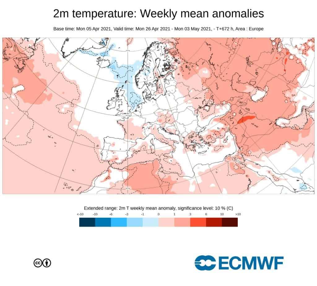 Temperatura w normie na przełomie miesięcy.