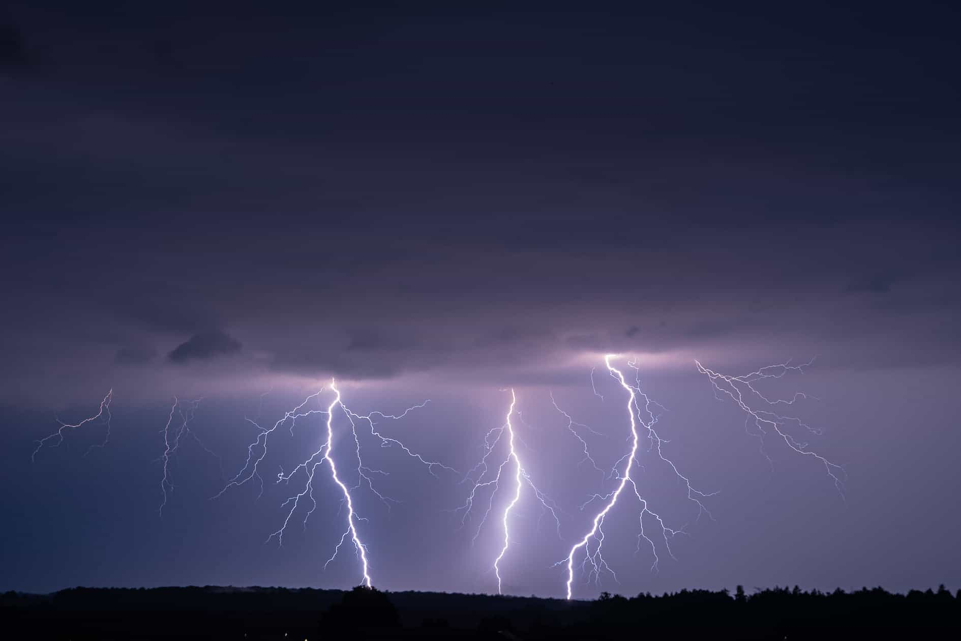 Burze pojawią się dziś nad Polską. Gdzie jest burza 16.09.2021? - Fani Pogody